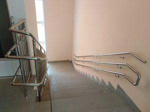 Лестничные ограждения и поручень из нержавеющей стали для детского сада ЖК «Солнечный»