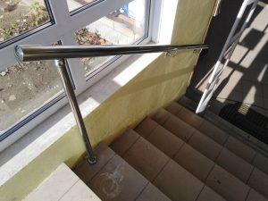 Перила и пристенный поручень из нержавеющей стали (Богородицк, улица Ленина, 26)