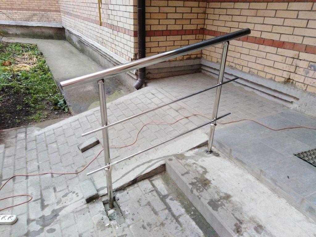 Ограждения входной группы (Тула, улица Болдина)