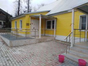 Ограждения входной группы (г. Суворов, ул. Строителей, 15)