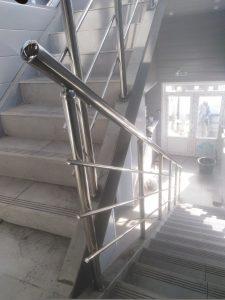 Ограждения лестничных маршей (Тула, Одоевское шоссе, 53)